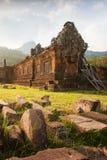 Forntida tempel av vaten Phou, södra Laos Vaten Phou var en del av en khmervälden centrerat på Angkor till den sydvästUNESCO royaltyfria foton