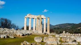 Forntida tempel av Zeus i Nemeaen Royaltyfri Fotografi