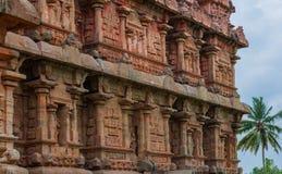Forntida tempel, bas-lättnader på Gangaikondaen Cholapuram Fotografering för Bildbyråer