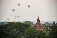 Forntida tempel i Bagan, Myanmar Fotografering för Bildbyråer