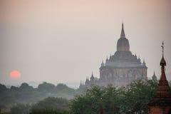 Forntida tempel i Bagan, Myanmar Arkivfoton