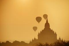 Forntida tempel i Bagan, Myanmar Arkivbild