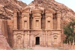 Forntida tempel i Petra, i Jordanien Royaltyfria Foton