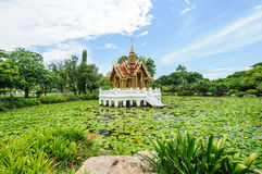 Forntida thai paviljong Royaltyfri Foto