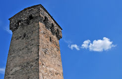 Forntida torn av Svaneti Mestia Royaltyfri Fotografi
