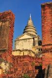 Forntida torn i den Ayutthaya arkitekten Royaltyfria Foton