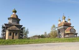 Forntida träkyrkor i norr Ryssland Arkivfoto