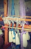 Forntida träram för väva av garner med heav royaltyfri bild