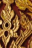 Forntida traditionell thailändsk stilvägg Arkivfoton