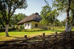 Forntida traditionellt ukrainskt hus Royaltyfri Bild