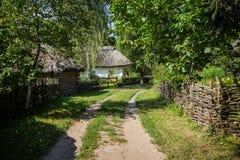 Forntida traditionellt ukrainskt hus Royaltyfria Foton