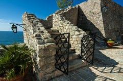Forntida trappuppgång i Budva Royaltyfri Foto