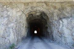 Forntida tunnel i den Sabinanigo staden, Spanien Royaltyfri Foto
