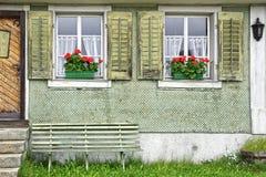 Forntida unikt fönster Andermatt Schweiz Royaltyfria Foton