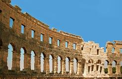 Forntida vägg av amfitheater i Pula, Kroatien Royaltyfri Foto