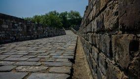 Forntida väggar för låg vinkel Arkivbild
