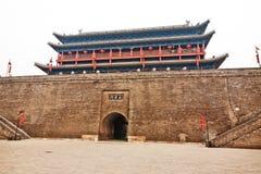 Forntida väggport i Xian China Royaltyfri Fotografi
