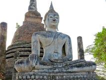Forntida vit buddha gammal tempel Royaltyfri Foto
