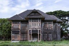 Forntida wood hus Royaltyfri Fotografi