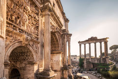 Foro de César en Roma imagenes de archivo