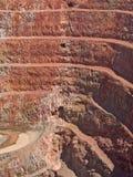 Foro della miniera profonda negli strati della roccia Immagine Stock Libera da Diritti