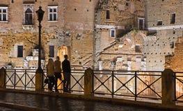 罗马- Foro di Traiano - Trajan的论坛和剪影 免版税库存图片