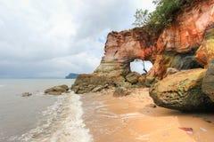 Foro naturale sulle rocce variopinte a Laem Chamuk Khwai Fotografia Stock Libera da Diritti