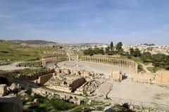 Foro (plaza oval) en Gerasa (Jerash), Jordania Imágenes de archivo libres de regalías