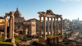 Foro romano Área excavada extensa de los templos romanos Timelapse almacen de metraje de vídeo