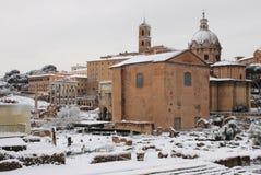 Foro romano bajo nieve Foto de archivo