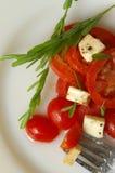 Forquilha com salada Fotos de Stock Royalty Free