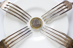 Forquilhas coladas na euro- moeda Imagens de Stock