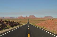 Forrest点 去纪念碑谷的Mille 13高速公路 地质天堂  免版税库存照片