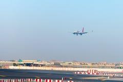 Forro de passageiro de Spicejet, na aproximação final para aterrar em Fotografia de Stock Royalty Free