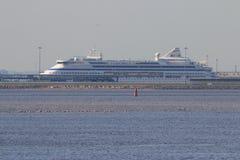 Forro do cruzeiro de AIDA Cruises no porto Fotografia de Stock Royalty Free