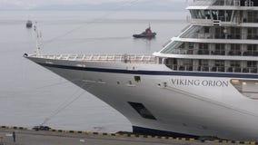 Forro Viking Orion do cruzeiro do passageiro no cais no porto marítimo filme