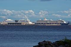 Forros do cruzeiro no porto do passageiro de St Petersburg, Rússia Foto de Stock Royalty Free