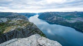 Forsand Norwegia, Maj, - 28, 2016: Widok z wierzchu Preikestolen, ambony skała Fotografia Stock