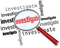 Forschen Sie Wort-Lupen-Abschluss-Inspektions-Tatsachen nach Stockfotografie