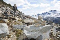 Forscher im Gletscher-Nationalpark Stockbild