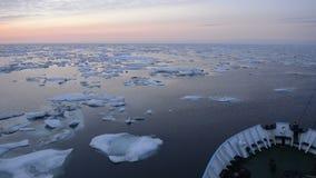Forschungsschiff in eisiger Karasee stock video