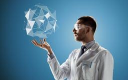 Forskare i skyddsglasögon med låg poly projektion Arkivfoton