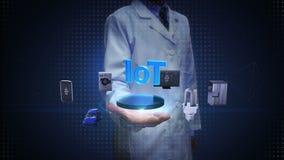Forskaren den öppna teknikern gömma i handflatan, Iot teknologi som förbinder smarta hem- apparater, internet av sakerbegreppet k lager videofilmer