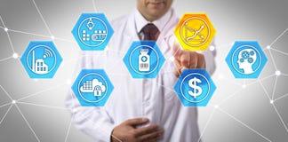 Forskaren Focussing On Bringing förgiftar ner priser arkivbild