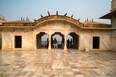 FORT, AGRA, INDIA - NOVEMBER, 2017: Gouden Paviljoen in Fort van Agra Stock Afbeelding