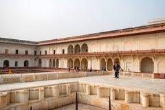 FORT AGRA, INDIEN - NOVEMBER, 2017: Guld- paviljong i fort av Agra Royaltyfri Bild