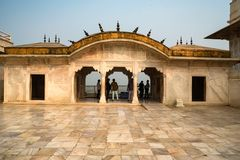 FORT AGRA, INDIEN - NOVEMBER, 2017: Guld- paviljong i fort av Agra Fotografering för Bildbyråer