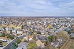 Fort Collins im Vorfrühling von der Luft Lizenzfreie Stockfotos
