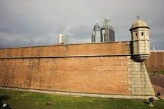 Fort Cond? en de gebouwen van de binnenstad Royalty-vrije Stock Afbeeldingen