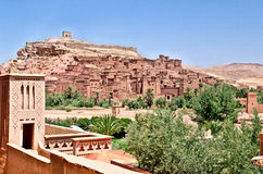 Fort d'AIT Benhaddou dans le désert marocain Photo stock